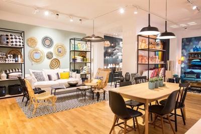 un pied terre pour la redoute home. Black Bedroom Furniture Sets. Home Design Ideas