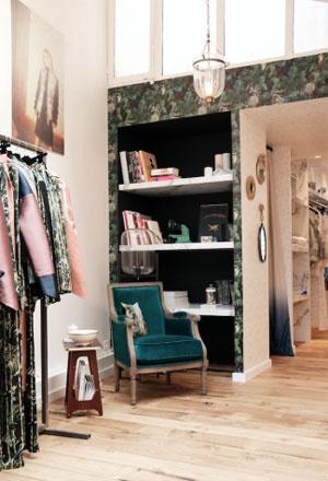 f te imp riale ouvre un concept de boutique dans le marais. Black Bedroom Furniture Sets. Home Design Ideas