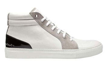 92d58448ee36 La sneaker se la joue luxe avec Yves Saint Laurent