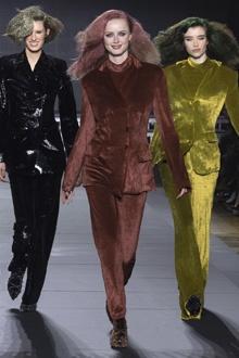 cc8a3dc633b Ce mardi 6 mars est le dernier jour de la semaine de la mode dédiée aux  collections prêt à porter pour l automne hiver 2018-2018. Au programme de  grands ...